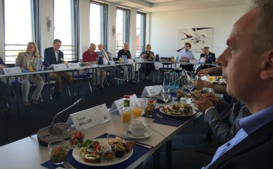 Detlef Müller diskutiert bei der Friedrich-Ebert-Stiftung das Thema Brexit.