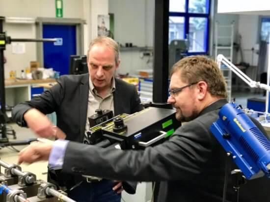 Detlef Müller, MdB besucht die Nordmetall GmbH in Neukirchen